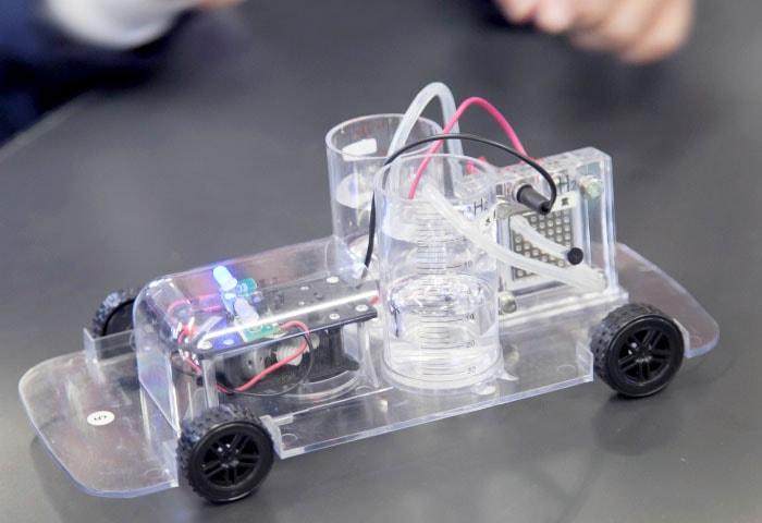 燃料電池ミニカー走行実験